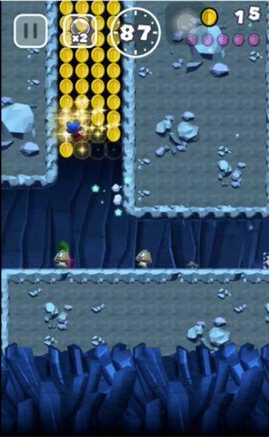 連続壁キックでコインを回収しながら上に進みます。