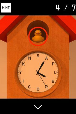 ▲時計の鳥の色が違います